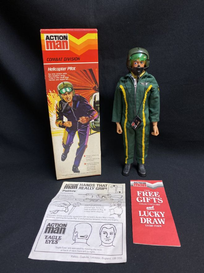 ACTION MAN BOXED VINTAGE COMBAT DIVISION HELICOPTER PILOT - ULTRA RARE- Stars still on box (ref2)